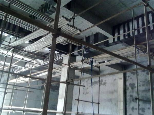 鹤岗碳纤维楼板裂缝加固,专业碳布加固公司