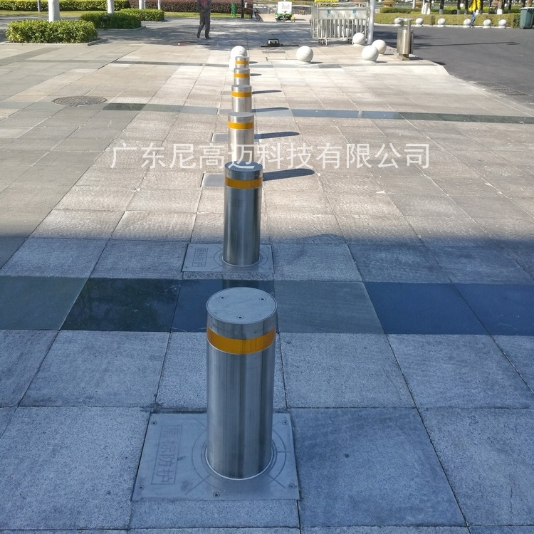 304不銹鋼成品液壓升降柱路障