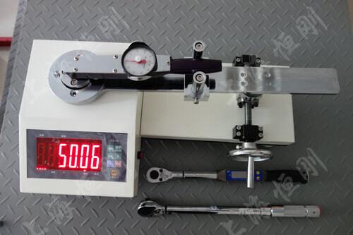 台式扭力扳手检定仪图片