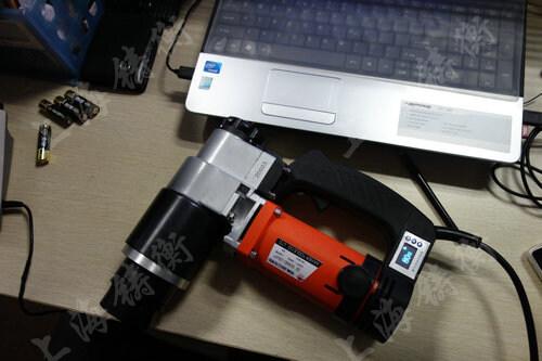 充电式电动扭力扳手图片